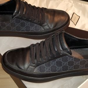 Gucci Men's GG Supreme Low-top Sneakers (New)